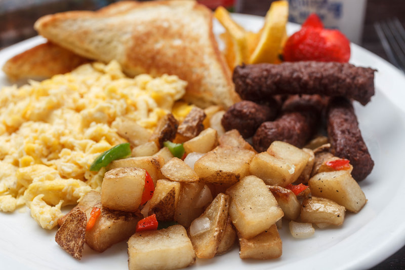Breakfast platter served at the Holiday Inn New Orleans Westbank