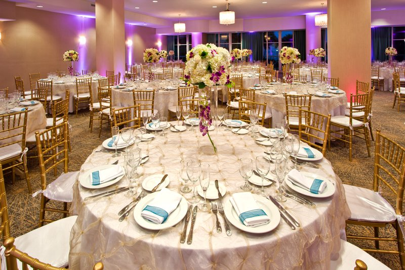 The Fantasy Ballroom can accommodate 280 guests