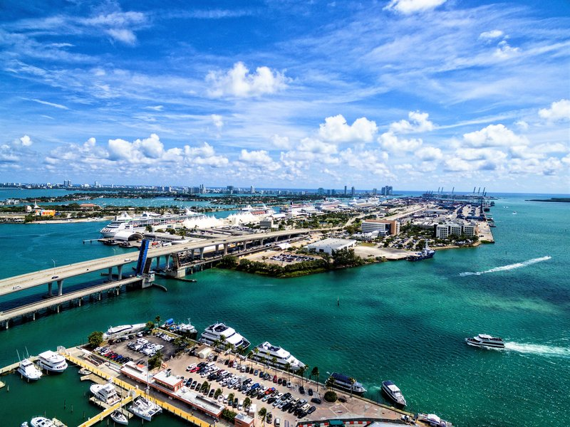 We offer nearly 50 Hotel Rooms with views of Miami's Biscayne Bay.