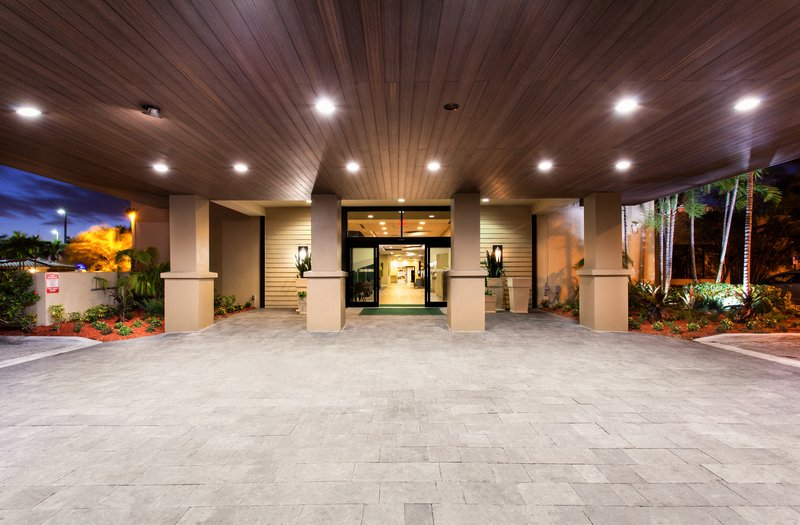 Our spacious portico will allow for a fast, easy check in.