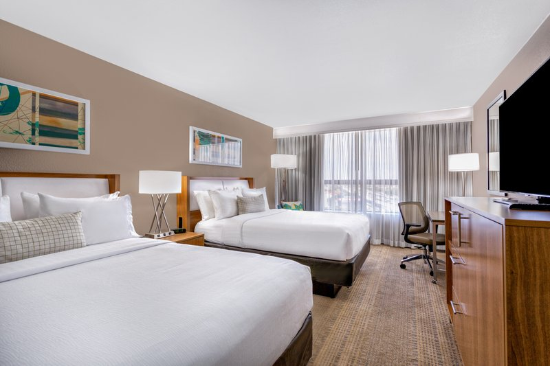 View of Miami, Lavish Queen bed, Offering Complimentary Wi-Fi