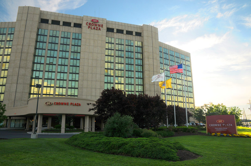 The Crowne Plaza Philadelphia Cherry Hill welcomes you