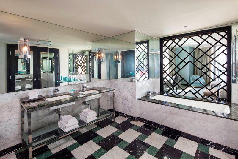 Mega Guest Room - Guest Bathroom