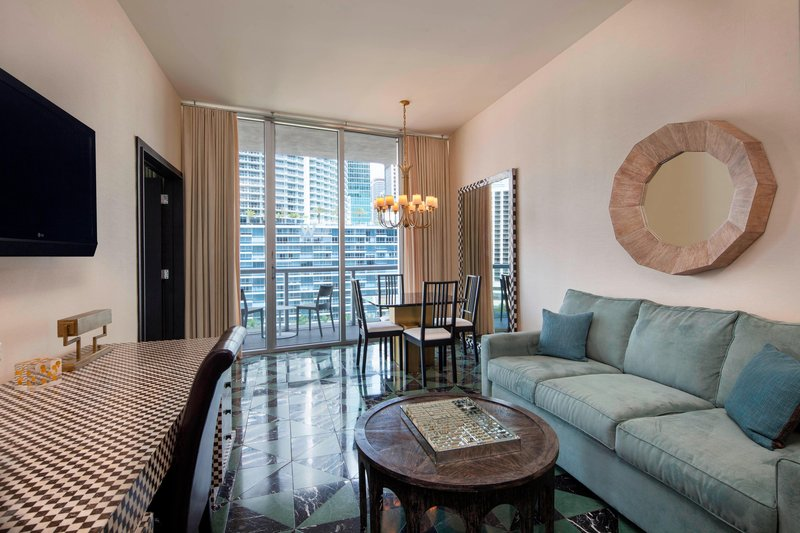 Marvelous Suite - Dining Area