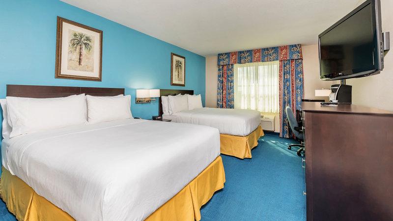 2 Queen Beds Standard