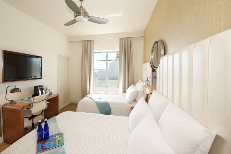 Double/Double Guest Room - City View