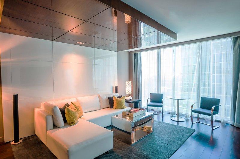 Miro One-Bedroom Executive Suite - Living Area