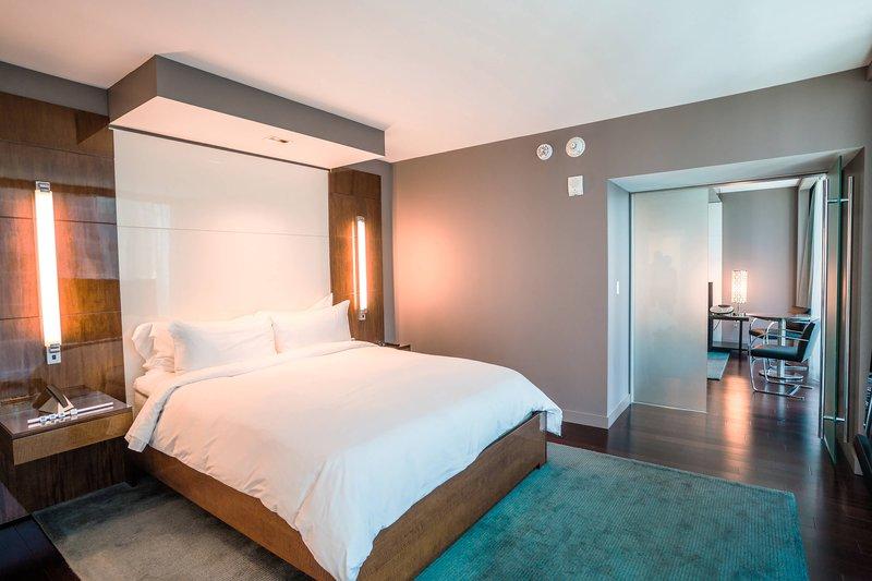Miro One-Bedroom Executive Suite- Bedroom