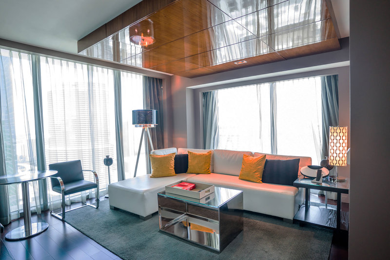 Matisse Junior Suite with City View - Living Area