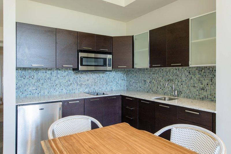 Two-Bedroom Suite - Kitchenette