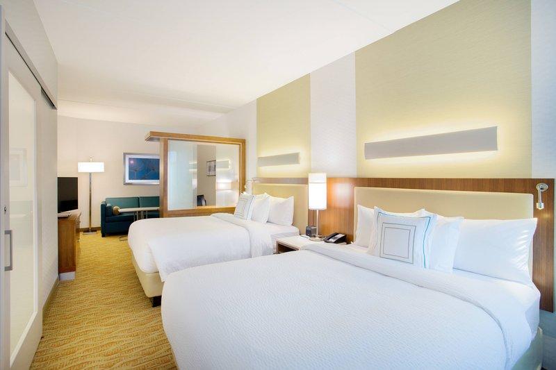 Queen/Queen Suite Bedroom