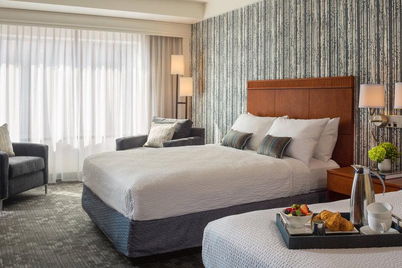 Guest Room - Queen Queen City View
