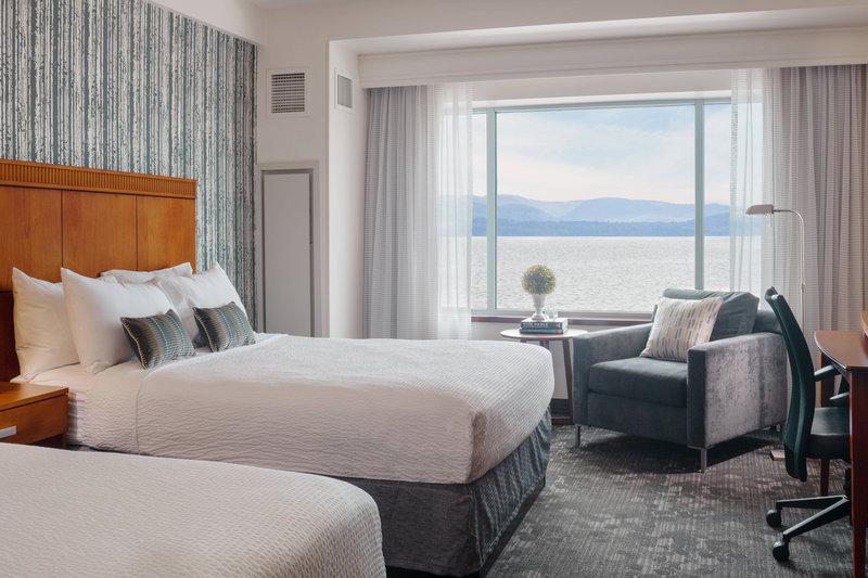 Guest Room - Queen Queen Lake View