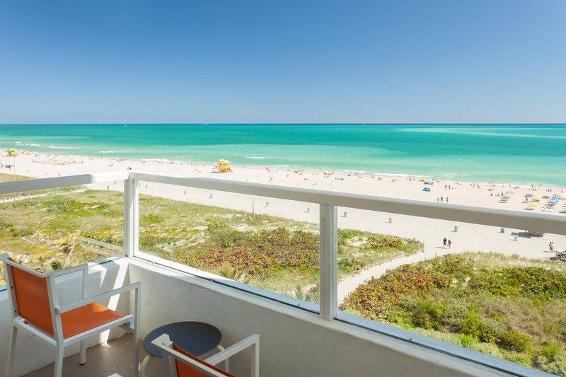 Corner Ocean Front Guestroom Balcony
