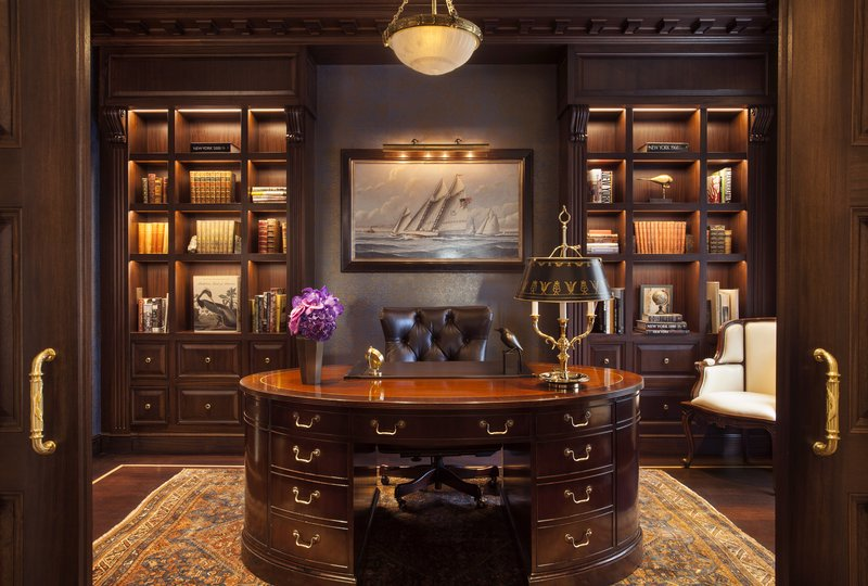 Private Library in Presidential Suite