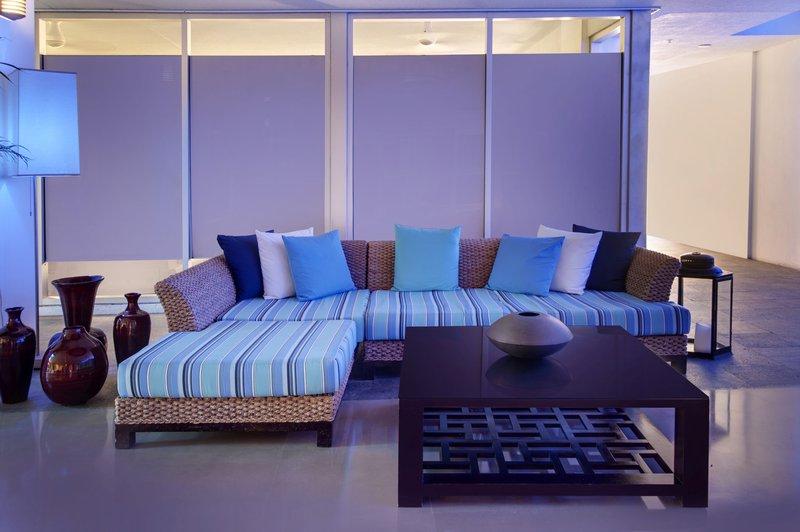 Z Ocean Lobby Lounge