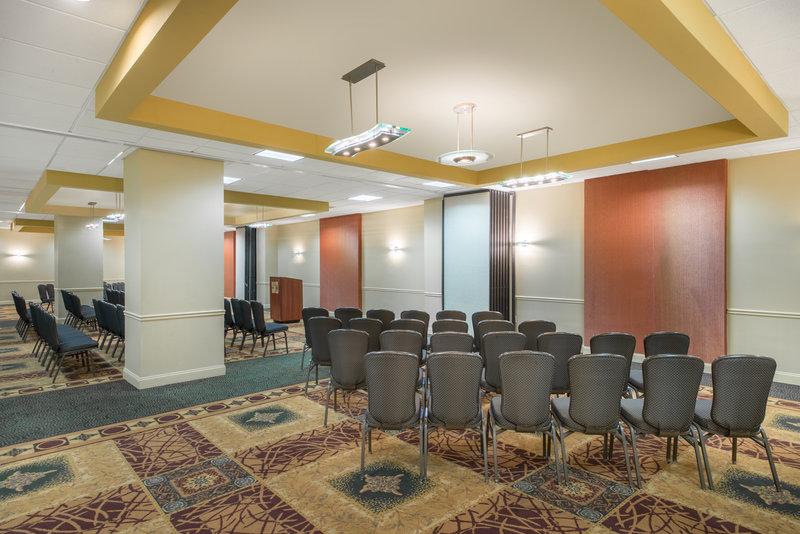 Crowne Plaza Philadelphia-Cherry Hill Meeting Room