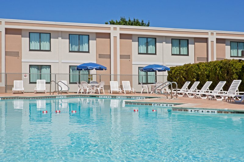 Outdoor Pool-Holday Inn-Meadowlands-Hasbrouck Heights