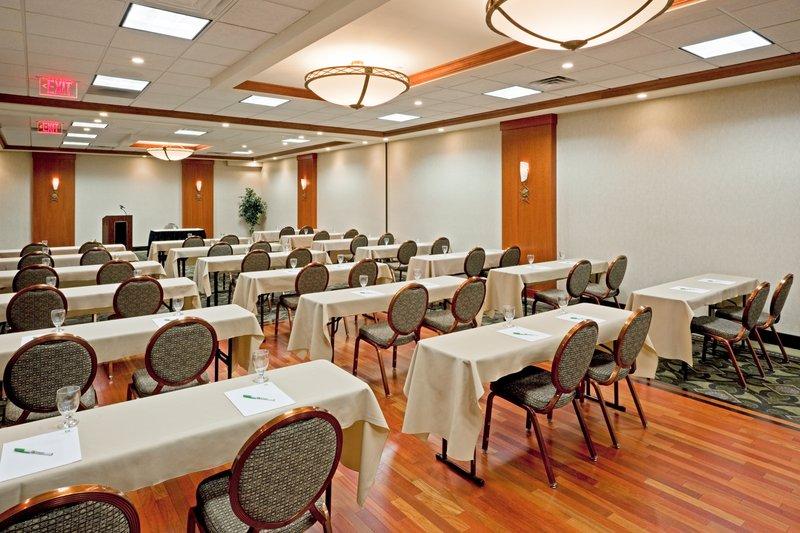 Catering-Meeting-Room-Holiday Inn-Meadowlands NJ