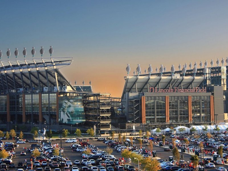 Located only 10 miles away from the Philadelphia Sports Complex