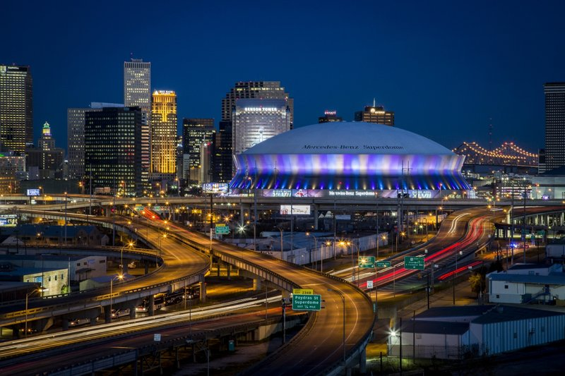 Mintues away from the french quarter & Mercedes Benz Superdome