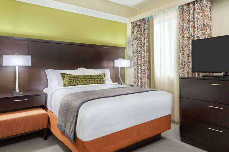 Our Miami Airport hotel offers studio suites with an open layout.