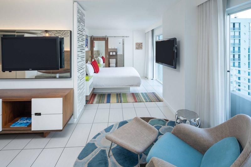 King Studio Suite - Bedroom
