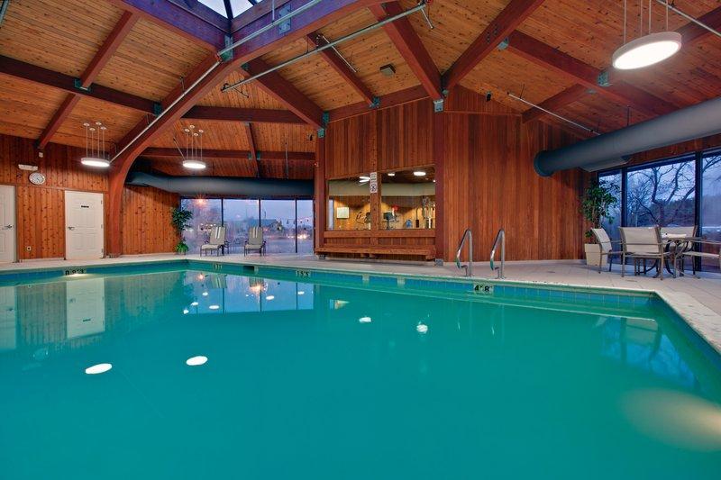 Indoor Swimming Pool at the Holiday Inn Burlington