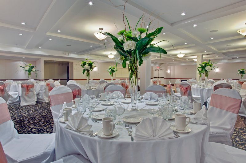 Willow Room set for a 100 guest Wedding.