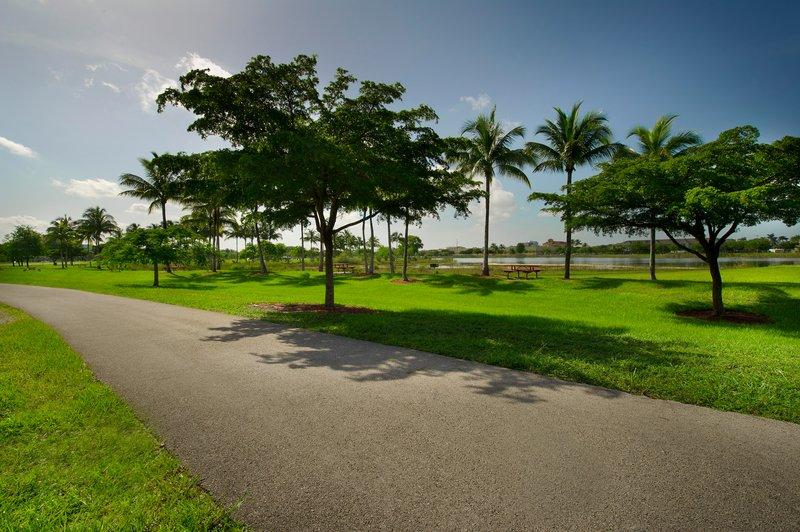 Miami Doral Area Attractions jogging park