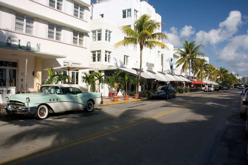 Just minutes from South Beach to the famous Ocean Drive