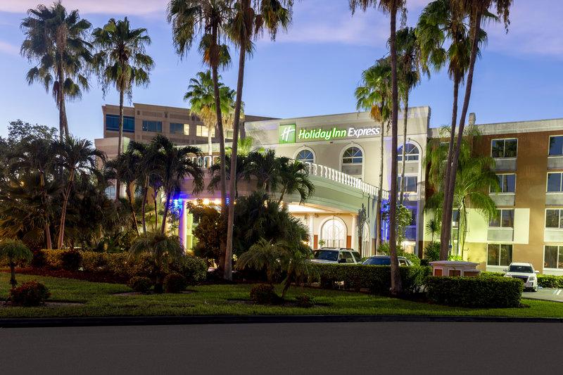 Near Dolphin Mall and Miami International Mall