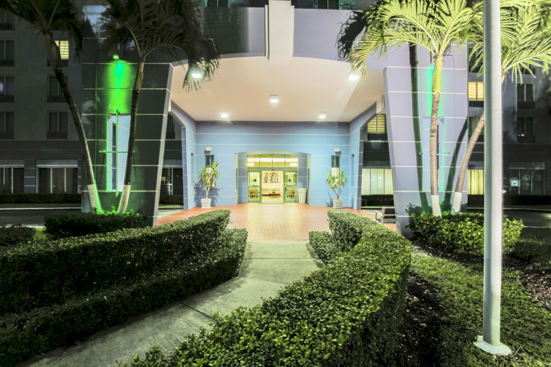 Welcome to Holiday Inn Miami Doral