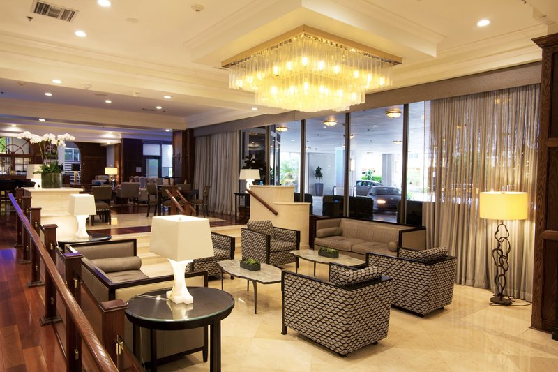 Lobby and Le Mirage Lobby Bar
