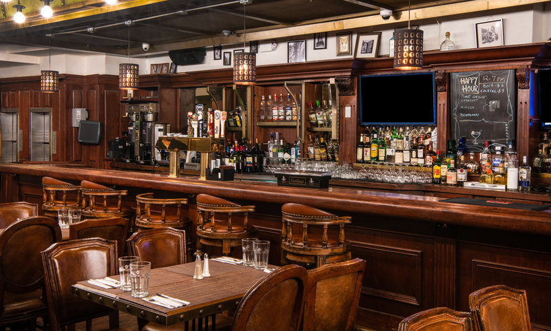 Head to our in-house restaurant for daily happy hour specials