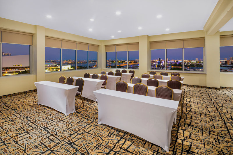 Plan your meeting in one of our many function spaces