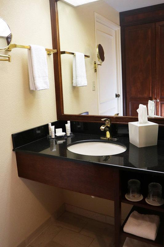 Standard Guest Room - Bathroom