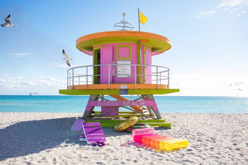 Moxy Beach Hut