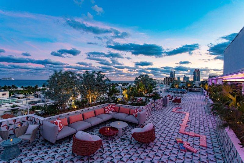The Upside Rooftop Bar - Activities