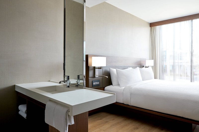 King Room with In-room Vanity